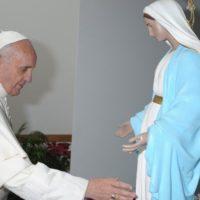 """Papa institui a Memória de Maria """"Mãe da Igreja"""" no calendário litúrgico"""