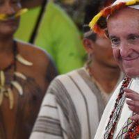 O Papa planta árvore de Assis nos Jardins do Vaticano no Dia de São Francisco