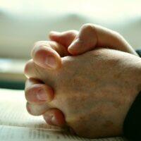 Quando devo usar palavras na oração?
