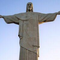Cristo Redentor vai se iluminar nas cores da Economia de Francisco
