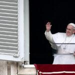 O Papa: a Eucaristia não é o prêmio dos santos, mas o pão dos pecadores