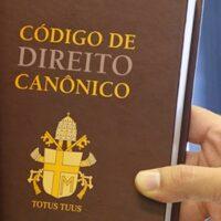O Papa reforma as sanções penais na Igreja: não há misericórdia sem correção